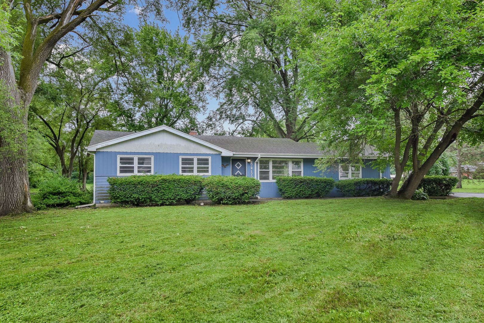 27W177 Vale Road, West Chicago, IL 60185 - #: 11154872