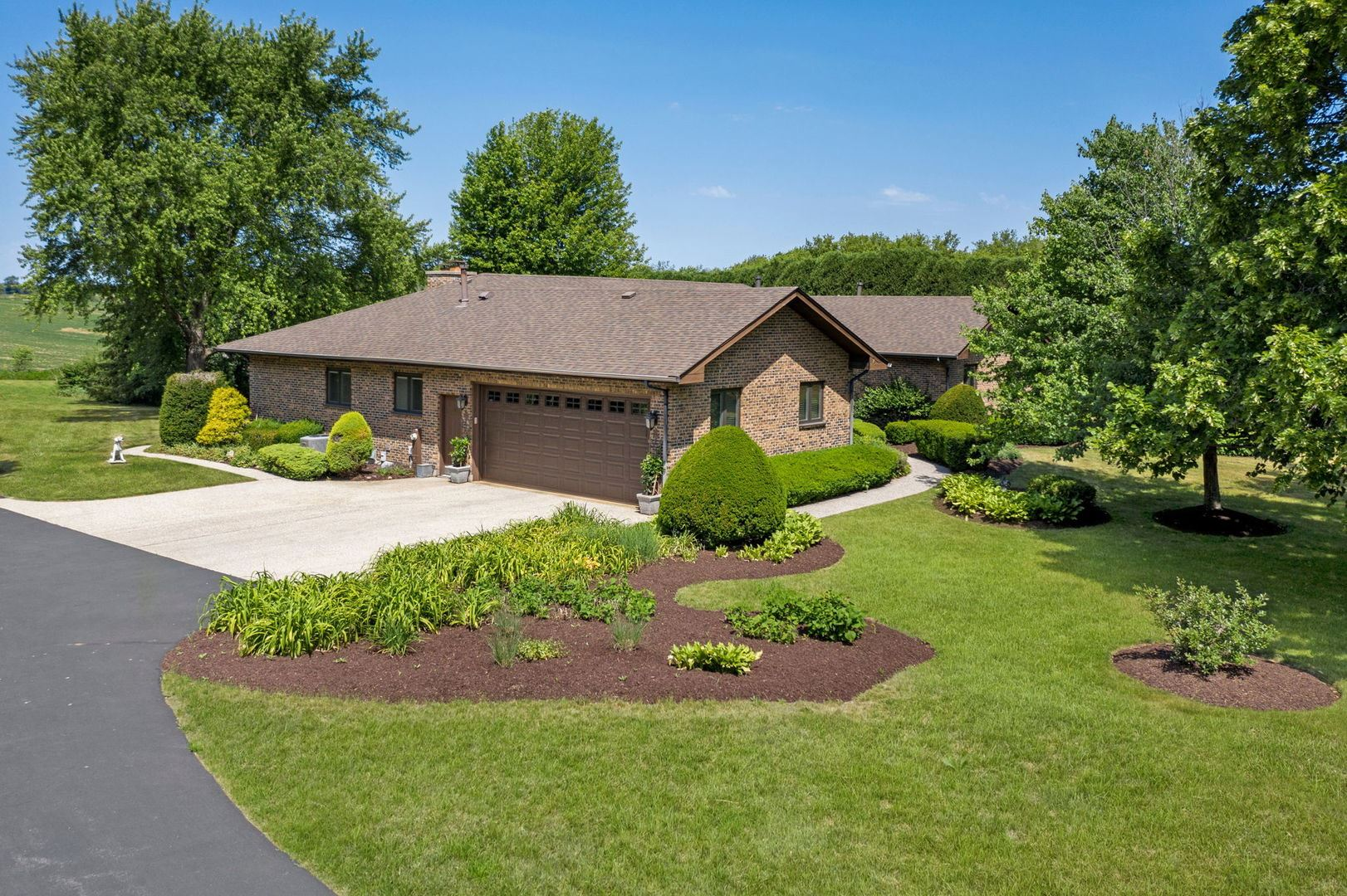 2117 S Country Club Road, Woodstock, IL 60098 - #: 11129873