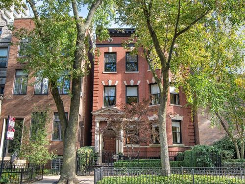 Photo of 1347 N State Parkway, Chicago, IL 60614 (MLS # 11205879)