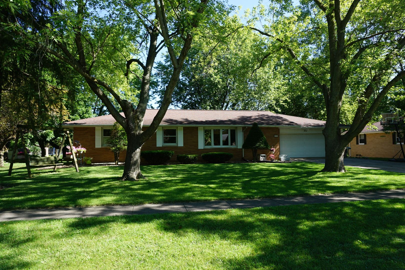 310 E Franklin Street, Fisher, IL 61843 - #: 10780882