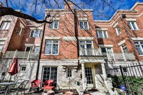 Photo of 1432 W Wrightwood Avenue, Chicago, IL 60614 (MLS # 10594887)