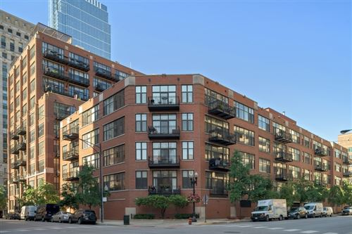 Photo of 333 W Hubbard Street #215, Chicago, IL 60654 (MLS # 10815887)