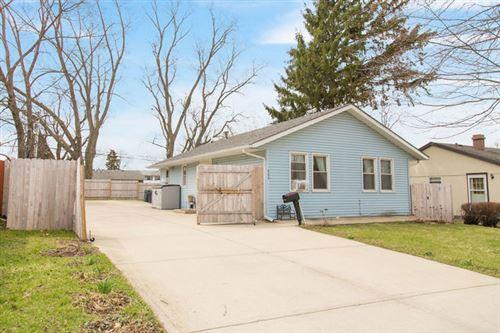 Photo of 923 Chippewa Circle, Carpentersville, IL 60110 (MLS # 10768890)