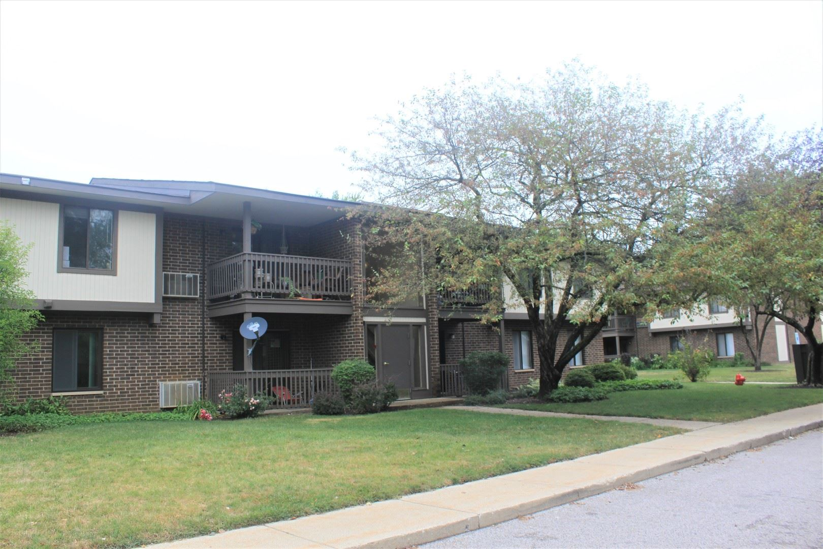 570 Somerset Lane #6, Crystal Lake, IL 60014 - #: 10851890