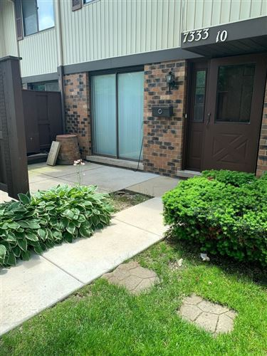 Photo of 7333 Winthrop Way #10, Downers Grove, IL 60516 (MLS # 10974893)