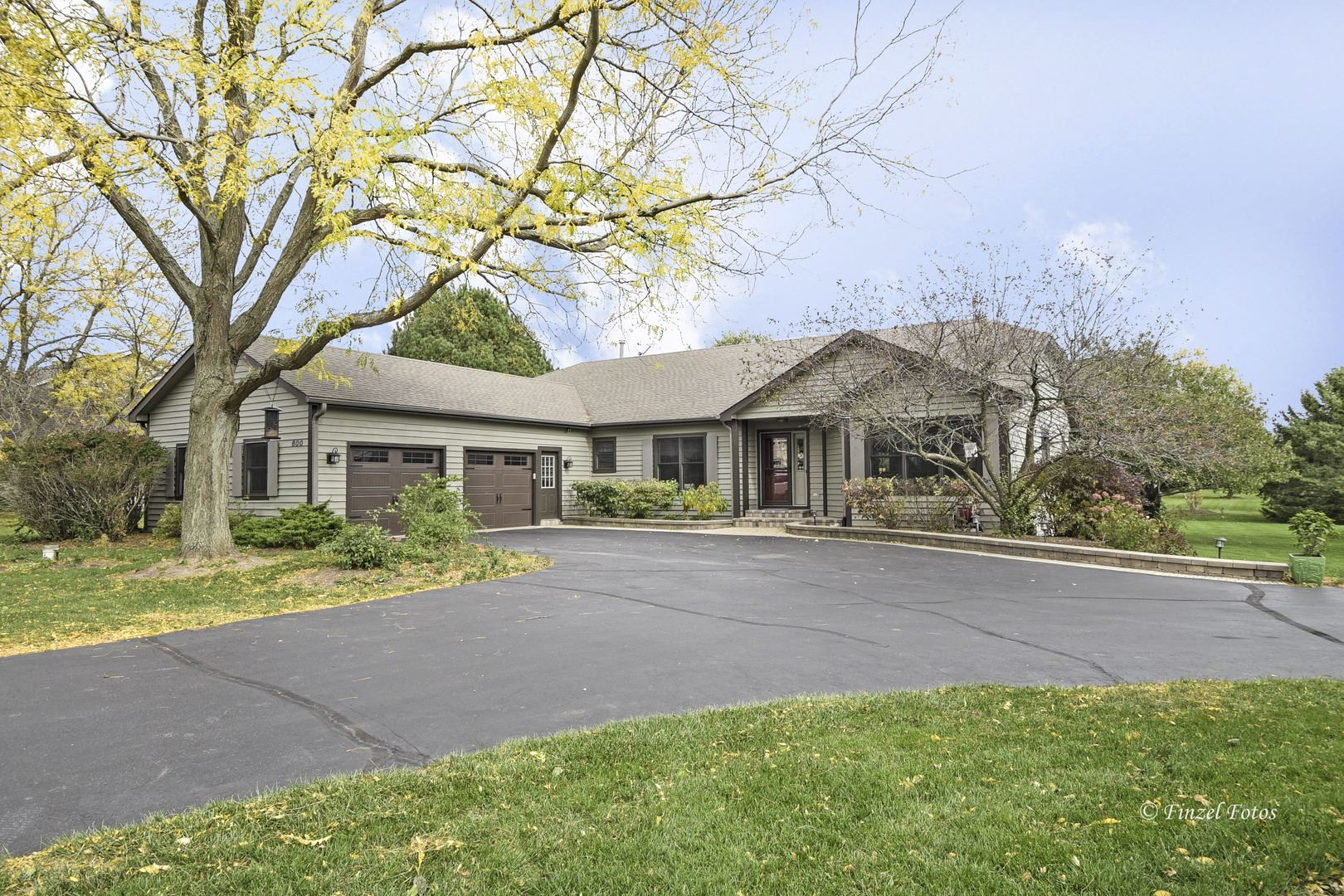 600 Silver Glen Road, McHenry, IL 60050 - #: 10905893
