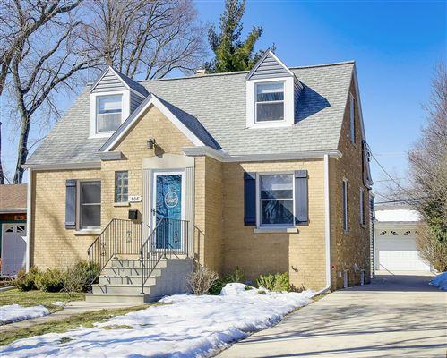 Photo of 508 S Stewart Avenue, Lombard, IL 60148 (MLS # 11009895)