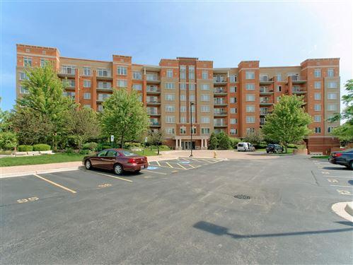 Photo of 1 N BEACON Place #405, La Grange, IL 60525 (MLS # 11246896)