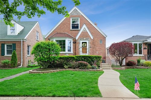 Photo of 6128 N KEYSTONE Avenue, Chicago, IL 60646 (MLS # 10723899)