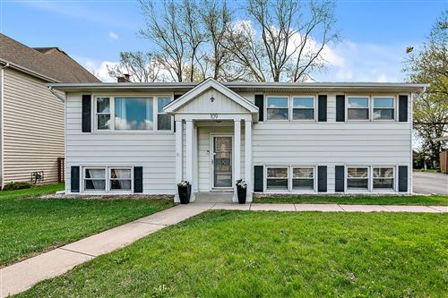 Photo of 109 58th Place, Clarendon Hills, IL 60514 (MLS # 11045899)