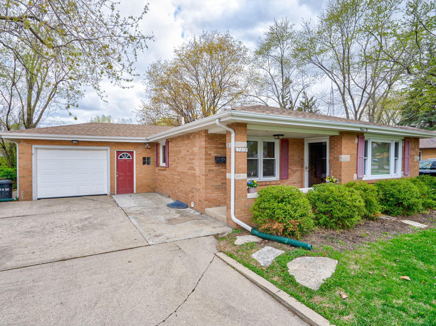 Photo of 1210 douglas Street, Joliet, IL 60435 (MLS # 11057899)