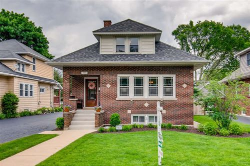 Photo of 195 N Myrtle Avenue, Elmhurst, IL 60126 (MLS # 10728901)