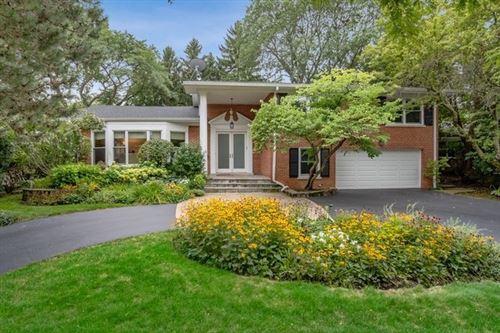 Photo of 726 Brookvale Terrace, Glencoe, IL 60022 (MLS # 10624903)