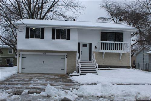 Photo of 1826 Ashwood Lane, Aurora, IL 60506 (MLS # 10960903)