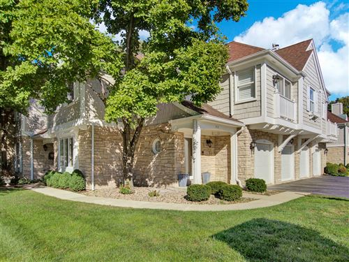 Photo of 213 Racquet Club Court #213, Hinsdale, IL 60521 (MLS # 11247904)