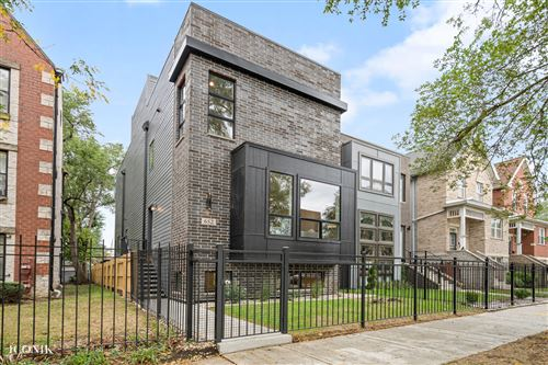 Photo of 652 E 42nd Street, Chicago, IL 60653 (MLS # 11249905)
