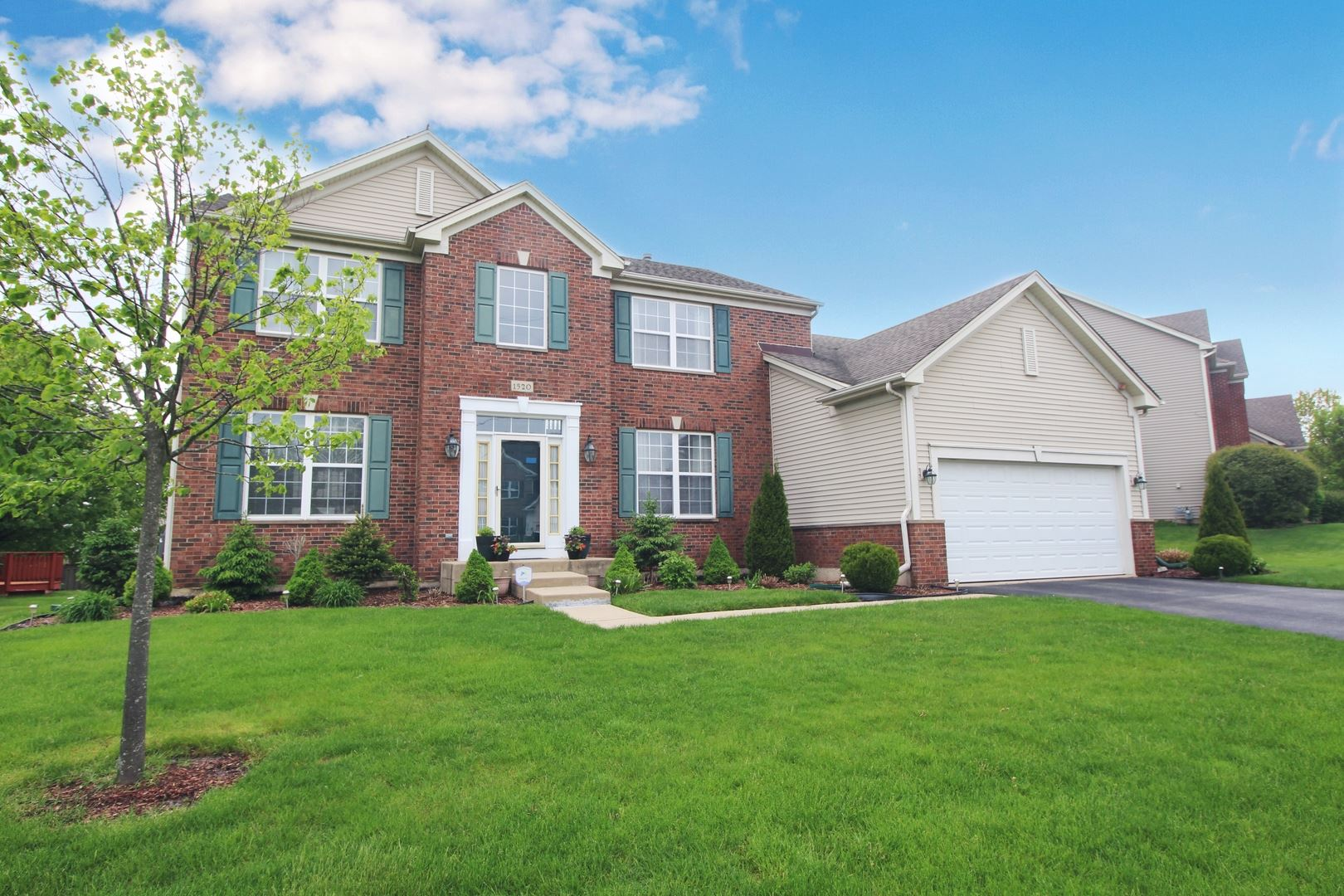 1520 RUSSELL Drive, Hoffman Estates, IL 60192 - #: 10715906