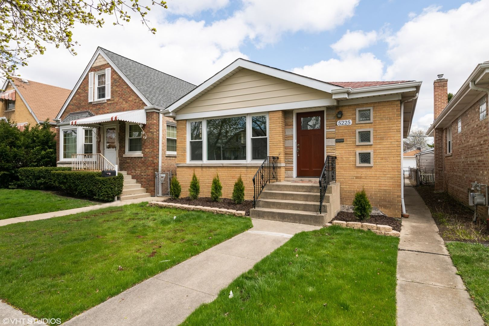 5225 N Melvina Avenue, Chicago, IL 60630 - #: 10643907