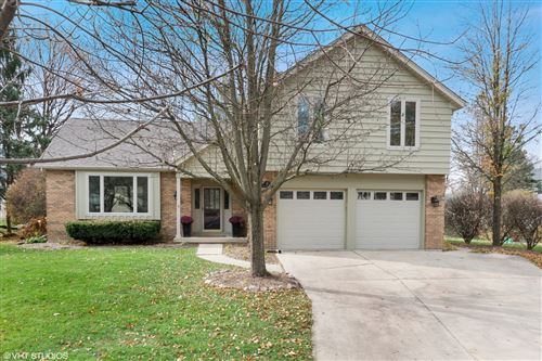 Photo for 985 Belaire Court, Naperville, IL 60563 (MLS # 10907908)