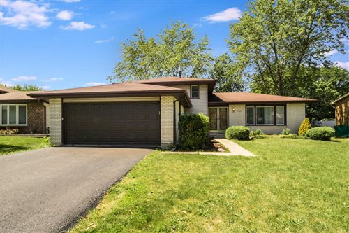 Photo of 7020 Foster Place, Downers Grove, IL 60516 (MLS # 10815910)