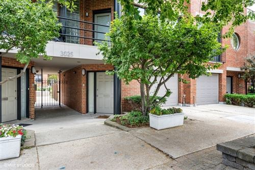Photo of 3025 N Greenview Avenue #M, Chicago, IL 60657 (MLS # 11153912)