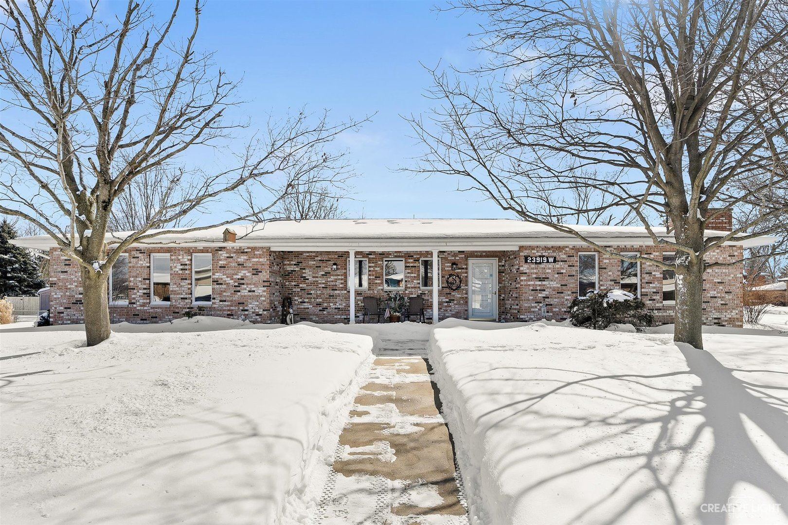 Photo of 23919 W Plainsman Circle, Plainfield, IL 60586 (MLS # 10998915)
