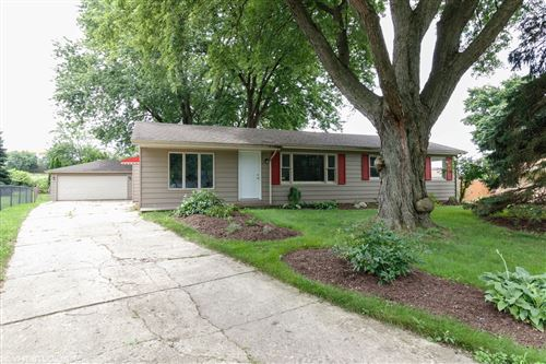 Photo of 520 Old Hickory Road, New Lenox, IL 60451 (MLS # 10807916)