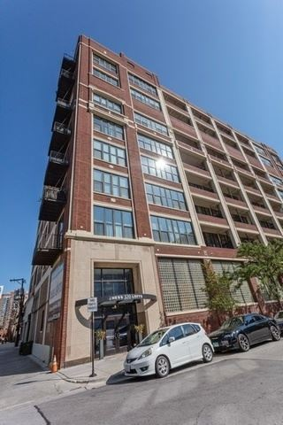 Photo of 320 E 21st Street #211, Chicago, IL 60616 (MLS # 10768917)