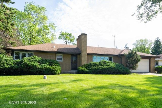 Photo for 21W516 ARMY TRAIL Road, Addison, IL 60101 (MLS # 10484917)