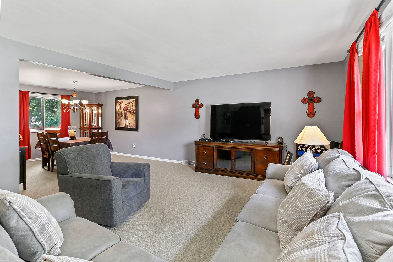 Photo of 608 Edgebrook Drive, Shorewood, IL 60404 (MLS # 11162920)