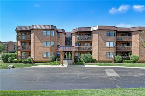 Photo of 6425 Clarendon Hills Road #312, Willowbrook, IL 60527 (MLS # 10821924)