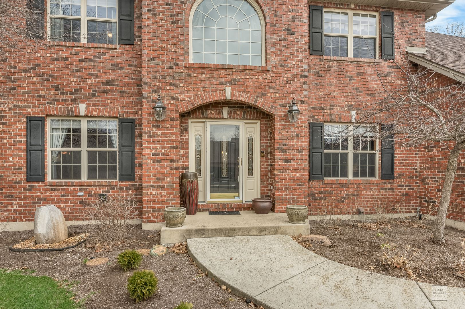 Photo of 506 Arbor Lane, Oswego, IL 60543 (MLS # 11048924)