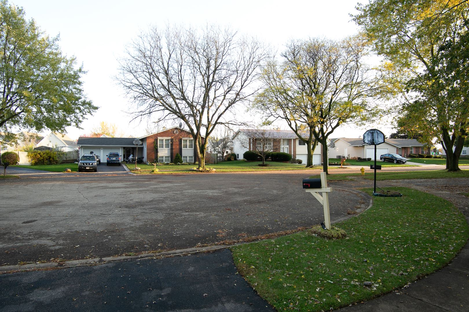 Photo of 7 Ashbury Court, Bolingbrook, IL 60440 (MLS # 10914925)