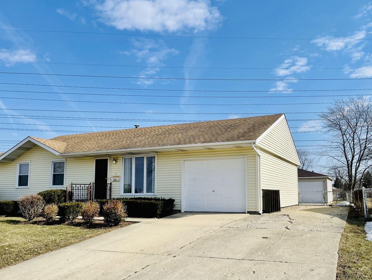 Photo of 523 Belmont Drive, Romeoville, IL 60446 (MLS # 11005925)