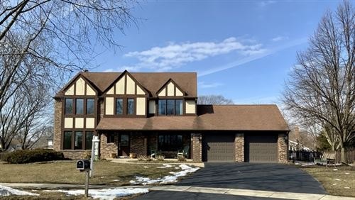 Photo of 915 Lindrick Court, Naperville, IL 60563 (MLS # 10644927)