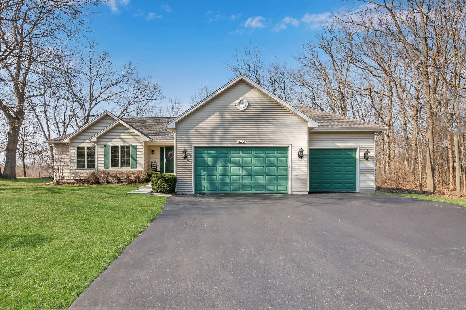 4128 Everett Place, Park City, IL 60085 - #: 10681928