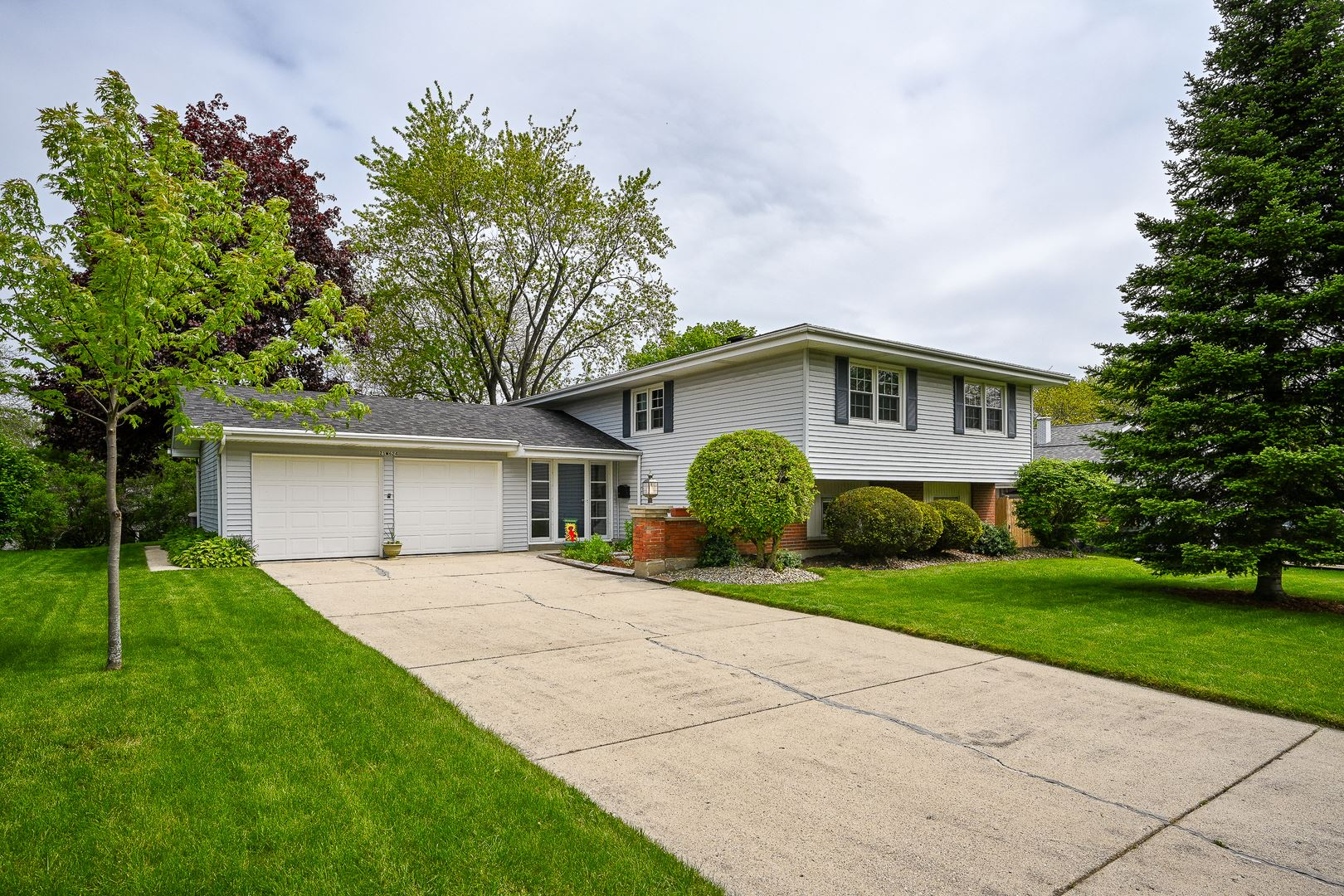 21W624 Kensington Road, Glen Ellyn, IL 60137 - #: 10722928