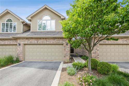 Photo of 425 Ashbury Drive, Hinsdale, IL 60521 (MLS # 11104929)