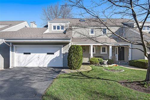 Photo of 212 W GRANT VLG, Hinsdale, IL 60521 (MLS # 11159932)