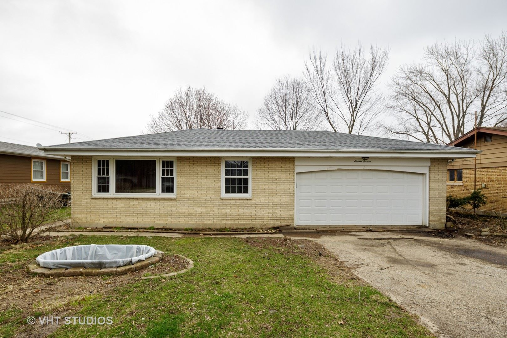 1116 Ash Street, Lake in the Hills, IL 60156 - #: 10655932