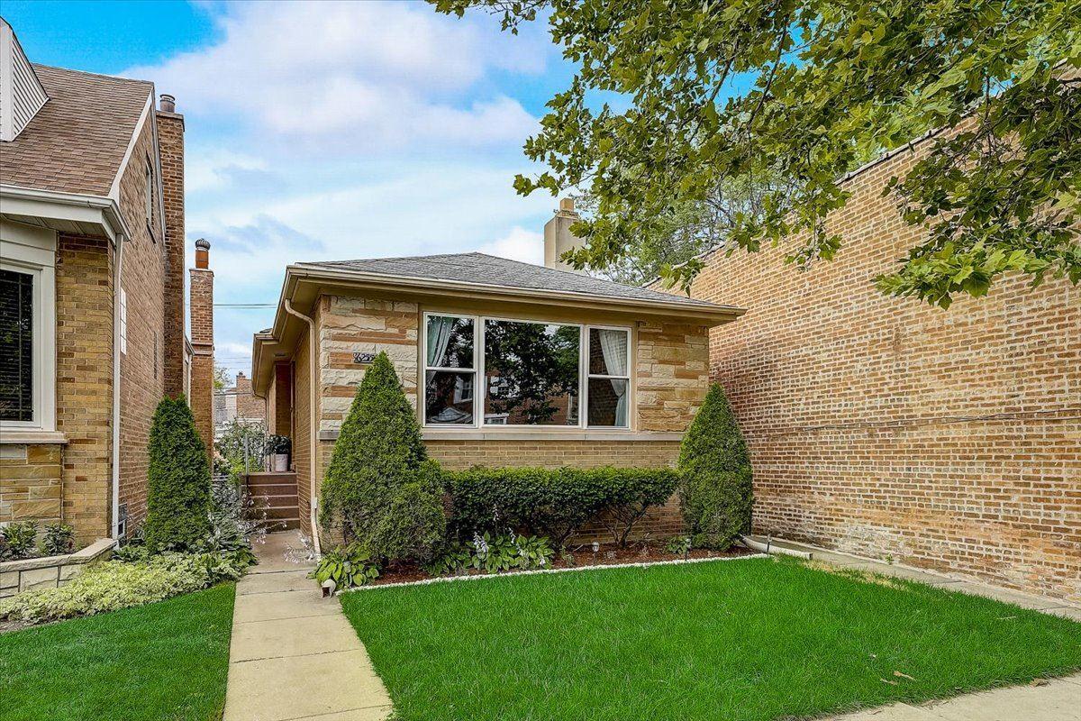 6255 W Peterson Avenue, Chicago, IL 60646 - #: 11213933