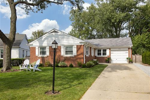 Photo of 1926 George Court, Glenview, IL 60025 (MLS # 10938934)