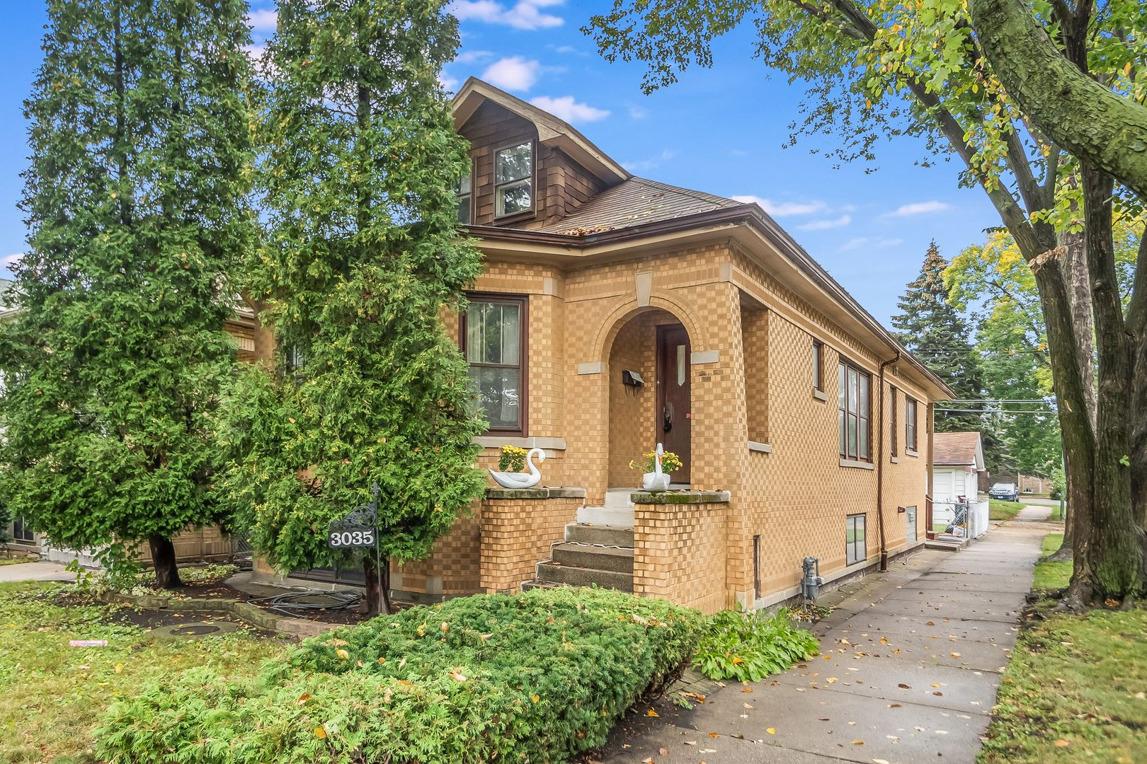 3035 N Lowell Avenue, Chicago, IL 60641 - #: 11244934