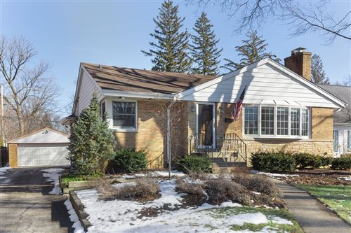Photo of 25 Oxford Avenue, Clarendon Hills, IL 60514 (MLS # 10677936)