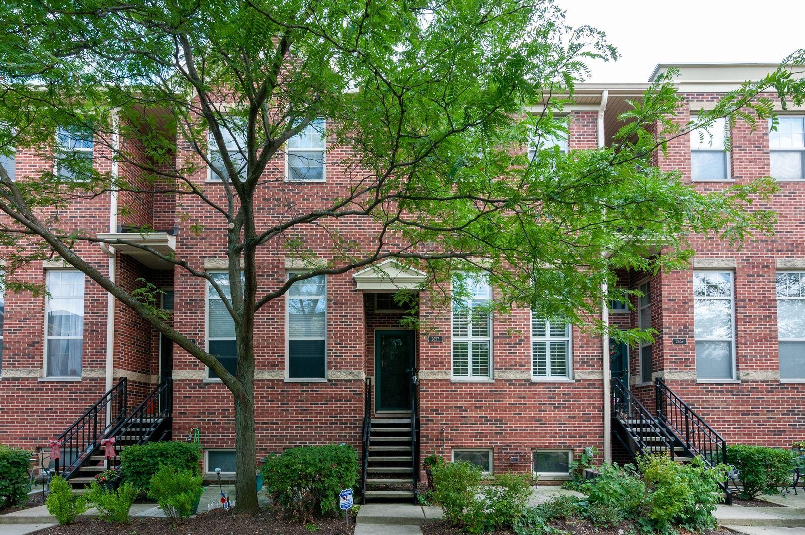 2657 W Melrose Street, Chicago, IL 60618 - #: 10800936