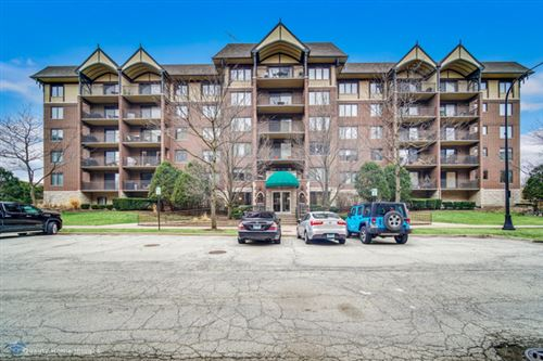 Photo of 10 S Wille Street #409, Mount Prospect, IL 60056 (MLS # 10727937)
