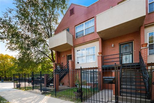 Photo of 4658 S Ellis Avenue, Chicago, IL 60653 (MLS # 10884937)