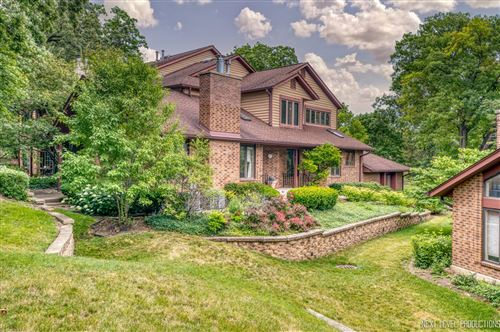 Photo of 1052 Braemoor Drive #1052, Downers Grove, IL 60515 (MLS # 11174943)