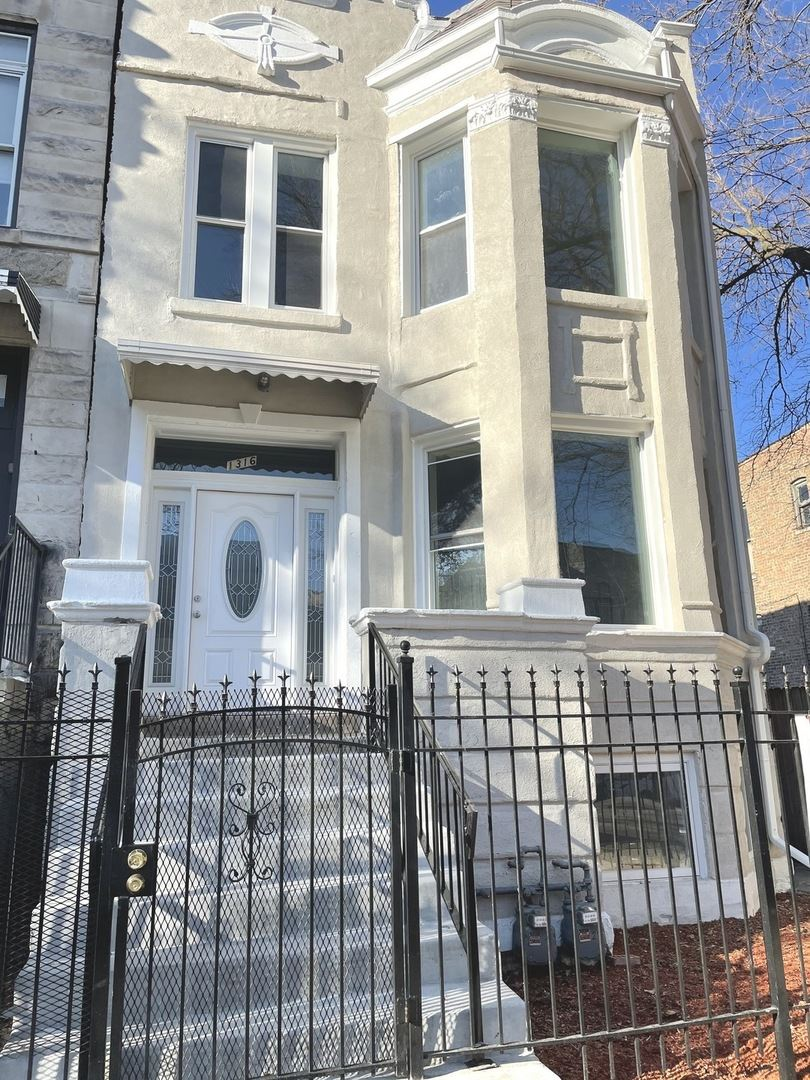 1316 S Millard Avenue, Chicago, IL 60623 - #: 10639943