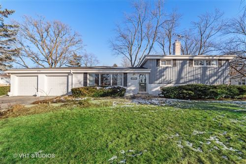 Photo of 3751 Knollwood Lane, Glenview, IL 60025 (MLS # 10615944)